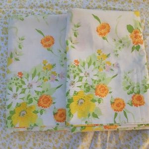 Vintage 1970's Floral King Pillowcase